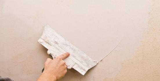 Как шпаклевать потолок своими руками: выбор шпаклевки и правильное нанесение