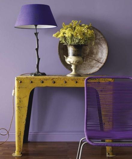 Сочетание фиолетового и желтого в интерьере