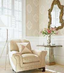 Зеркало в гостиной: преображаем интерьер