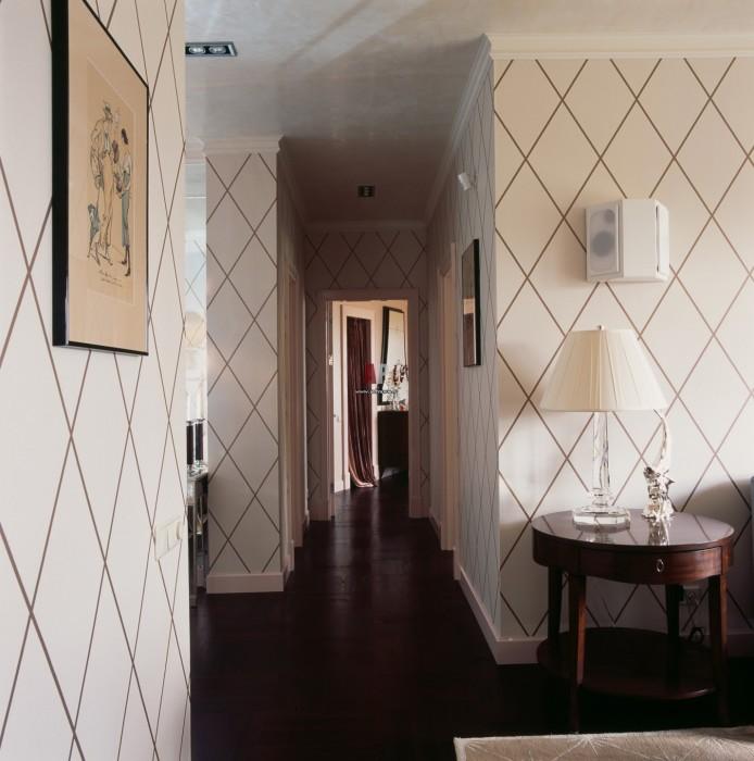 Как выбрать обои для коридора?