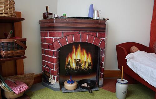 Декоративный камин в интерьере: создаем уютную атмосферу