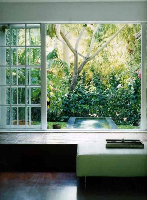 Фотообои: вид из окна