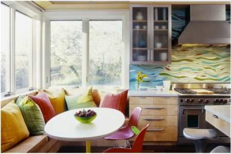 Как продумать дизайн окна на кухне от а до я: способы декора кухонного окна