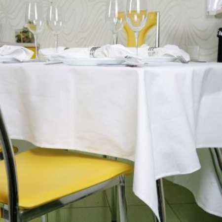 Скатерть на кухонный стол – красота и практичность