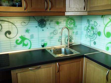 Листовые стеновые панели для кухни: виды и особенности монтажа