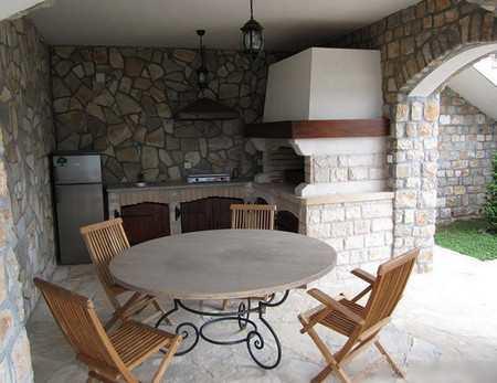 Преимущества летней кухни с верандой: готовьте в свое удовольствие в любую погоду