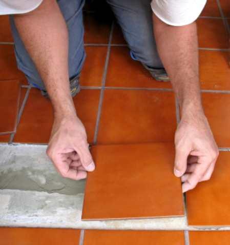 Какой клей для плитки лучше выбрать и сэкономить на его расходе