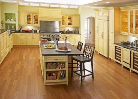 Какой ламинат лучше выбрать для кухни? Несколько небольших, но важных советов помогут вам