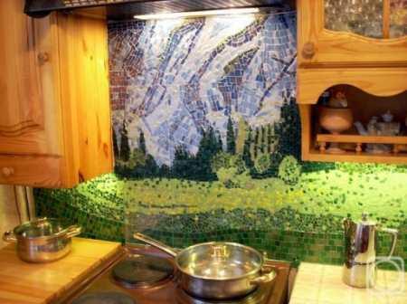 Достаточно ли практичен фартук для кухни из мозаики: аргументы «за» и «против»