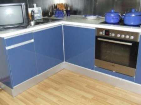 Ламинат для кухни – недорогое, красивое и практичное решение