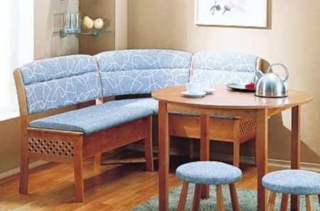 Как выбрать уютный кухонный уголок для маленькой кухни