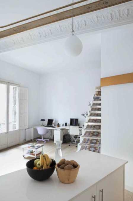 Santpere47: креативная кухня студия с эклектическими ретро-акцентами