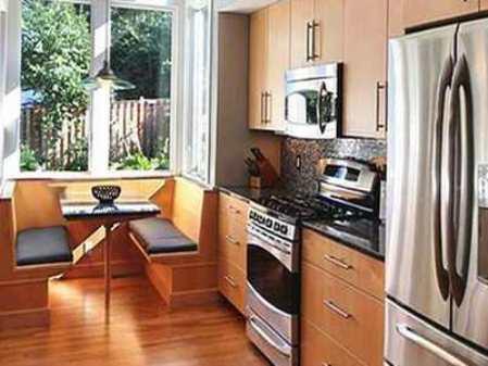 Небольшая кухня на лоджии: дизайн совмещенного варианта