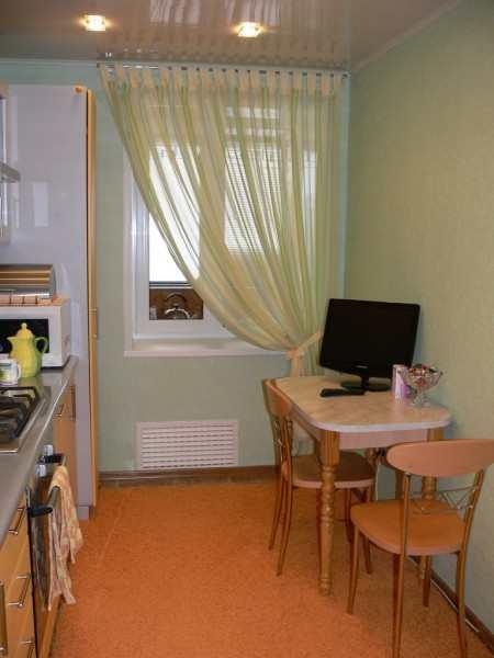 Обновляем интерьер – выбираем шторки на кухню