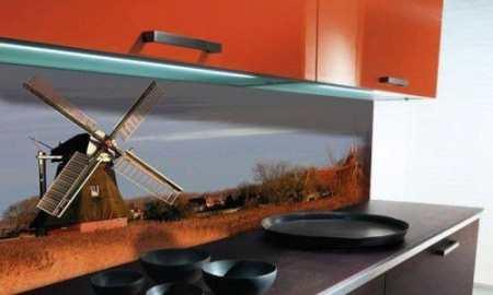 Фартук для кухни из стекла: 20 модных стеклянных идей