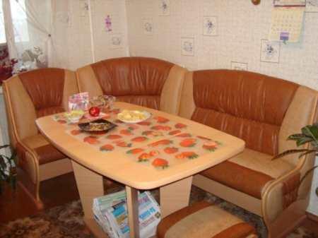 Угловая скамья для кухни: многообразие выбора